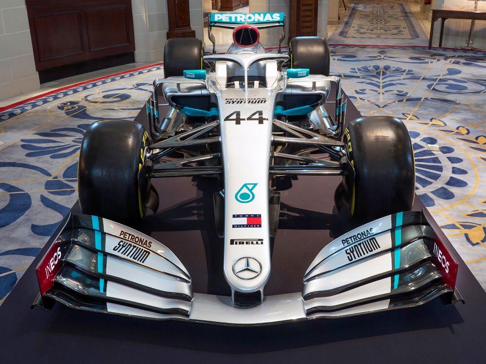F1, Mercedes: le prime FOTO della presentazione della livrea 2020