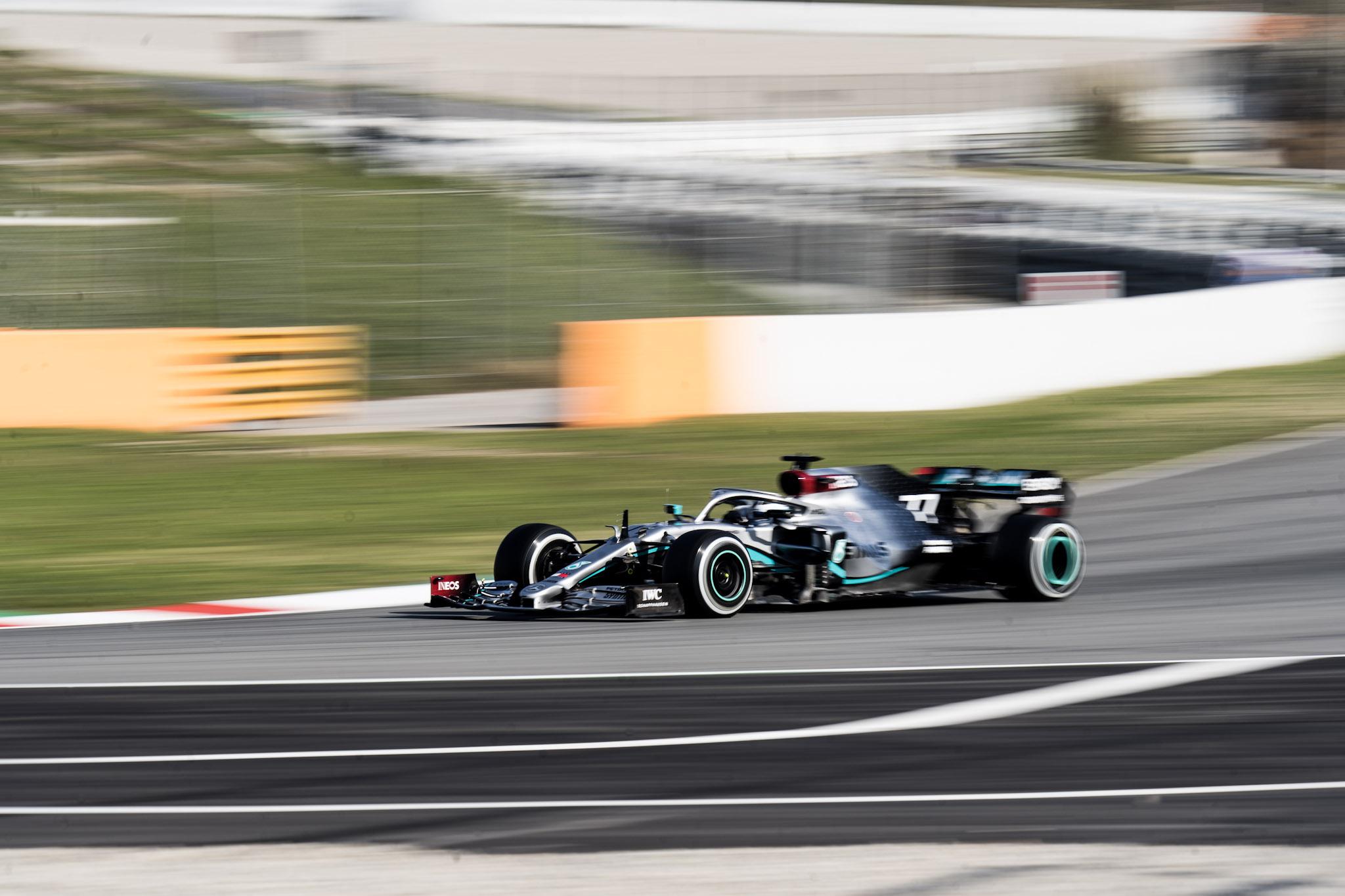 Test Montmelò, la Ferrari SF1000 debutta con Vettel
