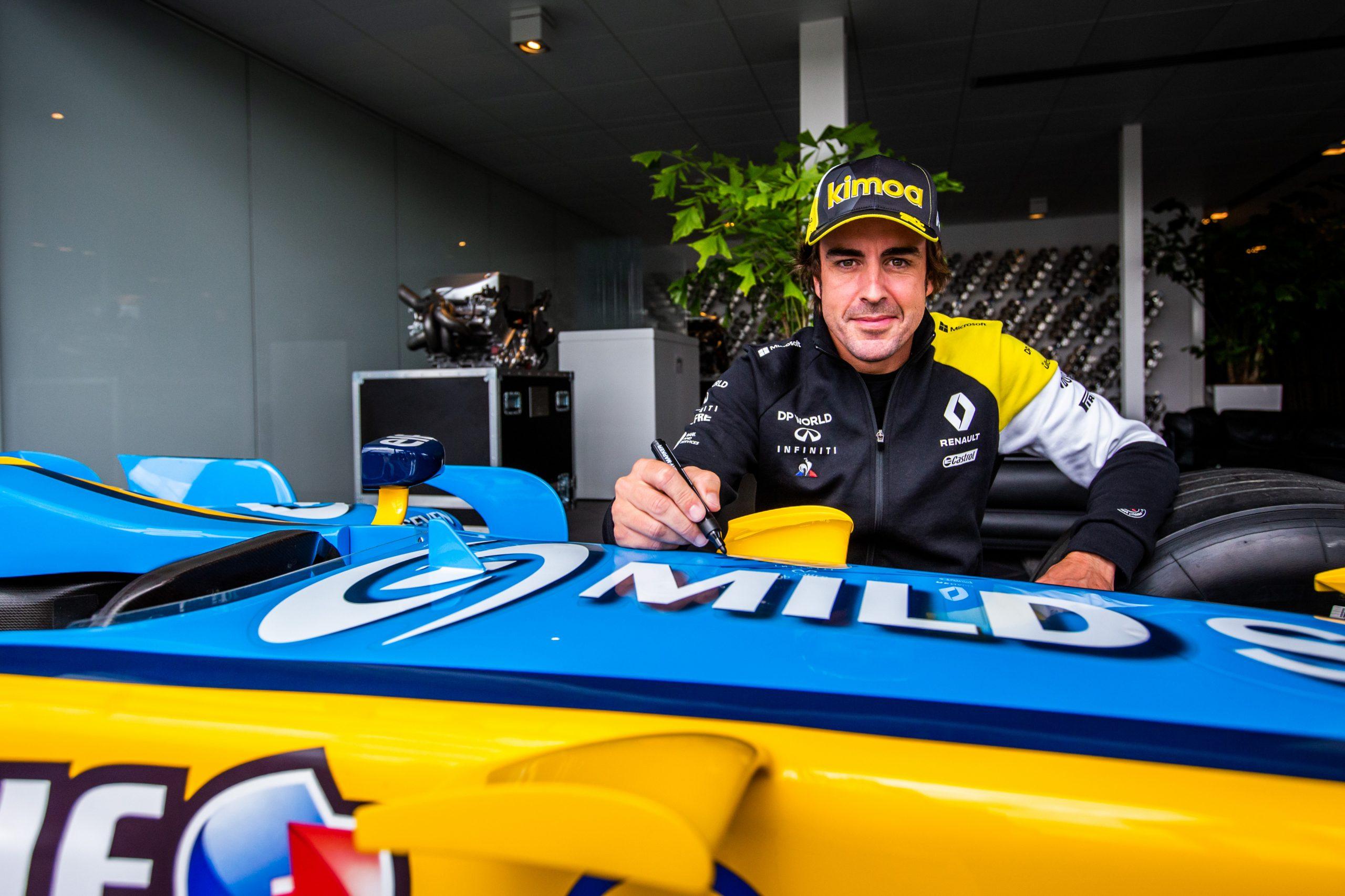 Formula 1, Alonso prova la Renault sul circuito di Barcellona - Sportmediaset