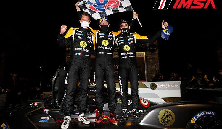 IMSA | 12H Sebring 2021: JDC Miller recupera due giri e vince